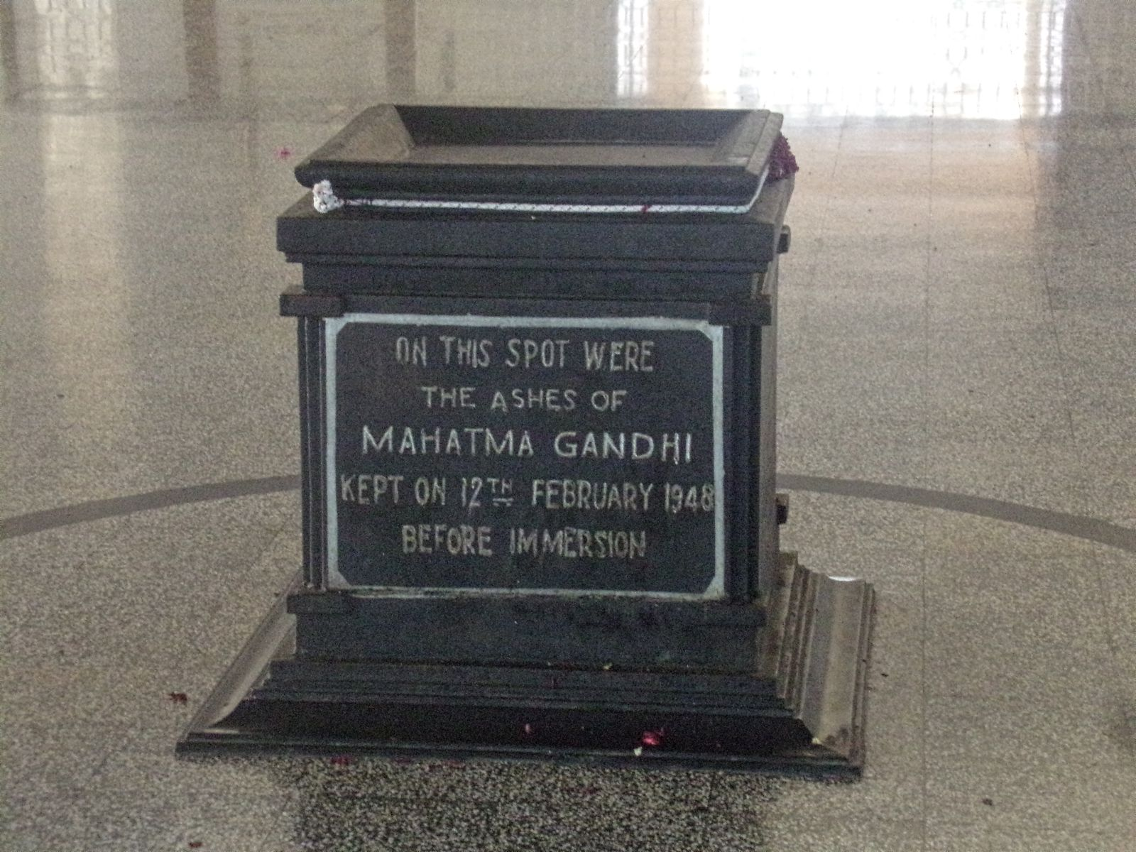 memorial gandhi kanyakumari cendres symbole
