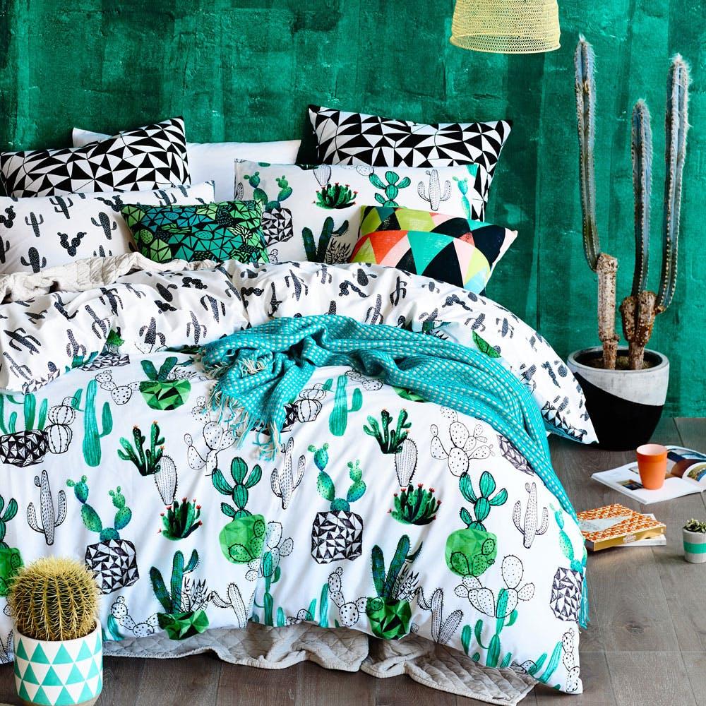 decoration chambre linge de lit maison cactus