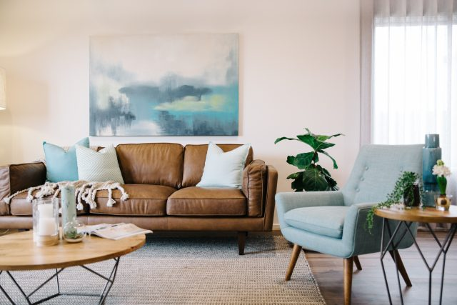 deco salon mobilier fauteuil bleu