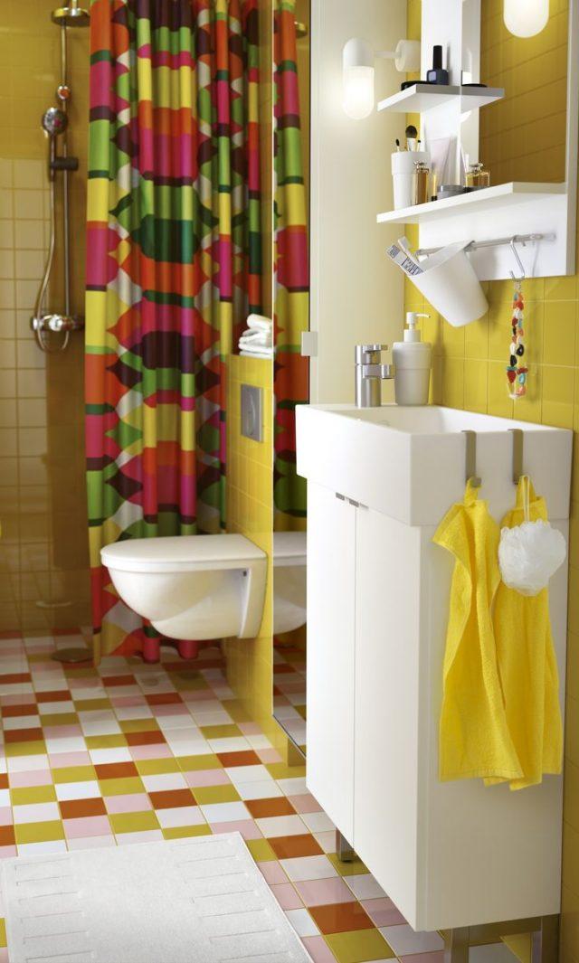gagner de la place dans la salle de bain meuble lave-main peu encombrant