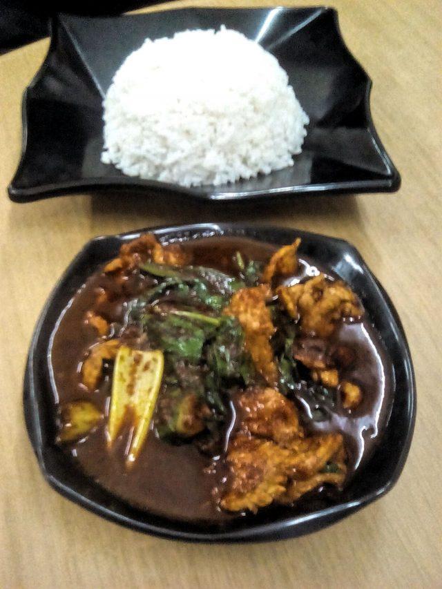 malaisie nourriture porc epice chinois riz blanc