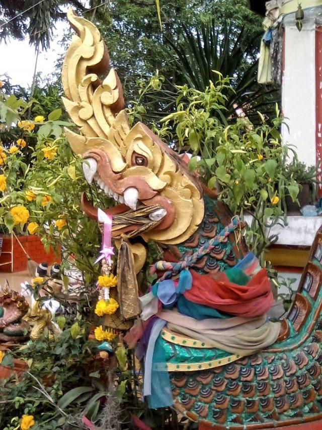 thailande nong khai temple detail bouddhiste