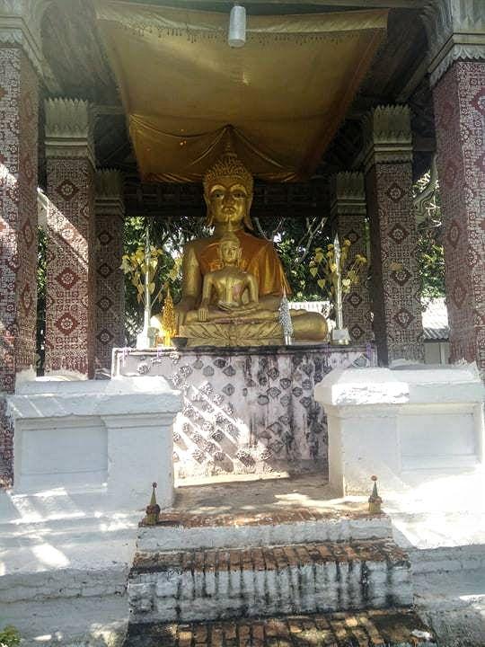 bouddha statue temple laos luang prabang