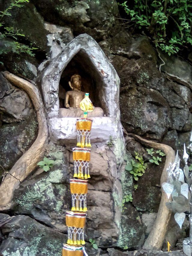 bouddhisme luang prabang montagne