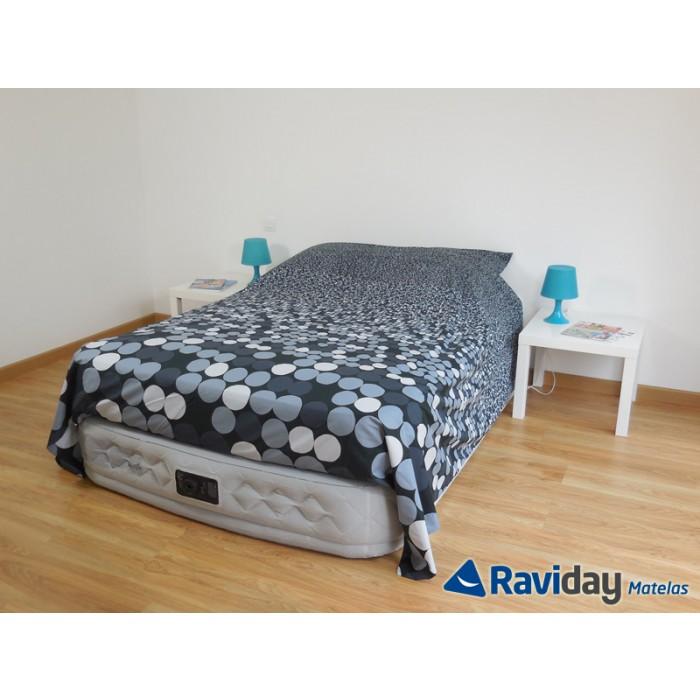 un vrai matelas gonflable pour recevoir vos proches en tout confort cocon de d coration le blog. Black Bedroom Furniture Sets. Home Design Ideas