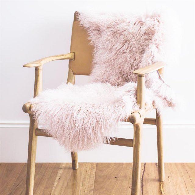 tapis moumoute rose blush deco chambre