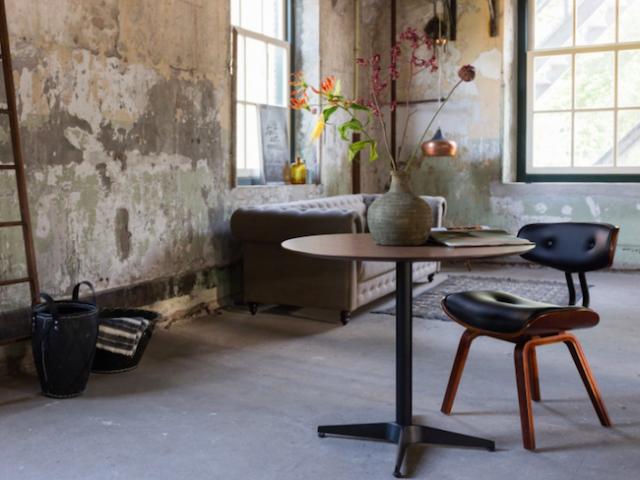 decoration mobilier chaise bois croute de cuir