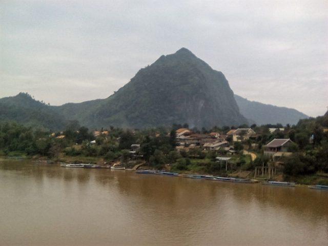 village laos visite voyage nong khiaw