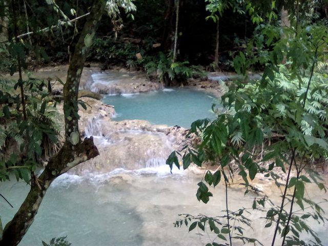 cascade eau bleue turquoise laos