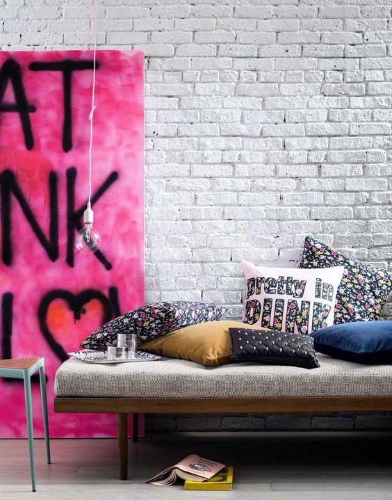 deco pop rock banquette salon