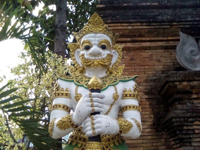 divinite bouddhiste temple thailandais voyage