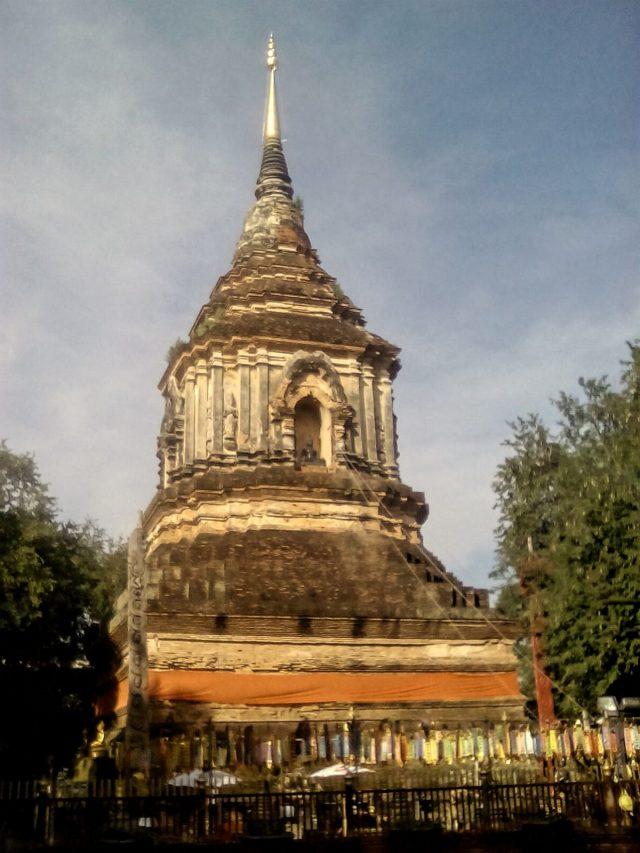 vieille stupa bouddhiste thailande chiang mai