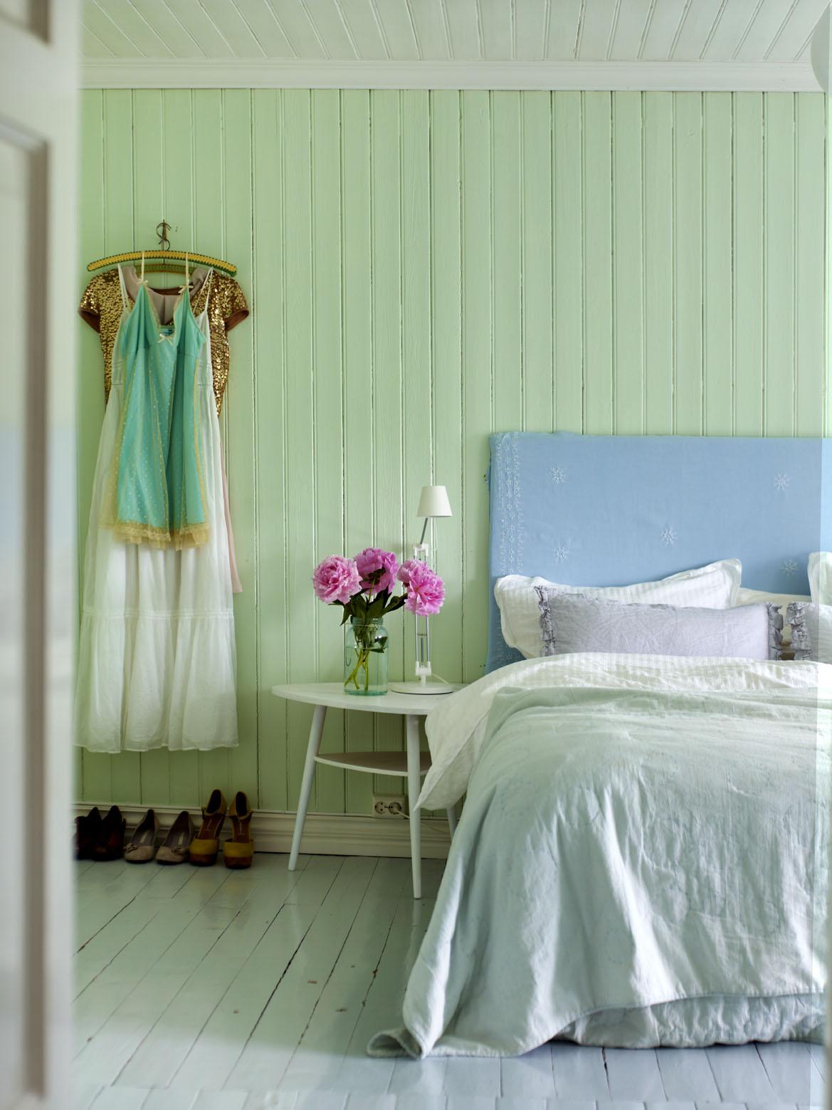 deco chambre lambris peinture verte