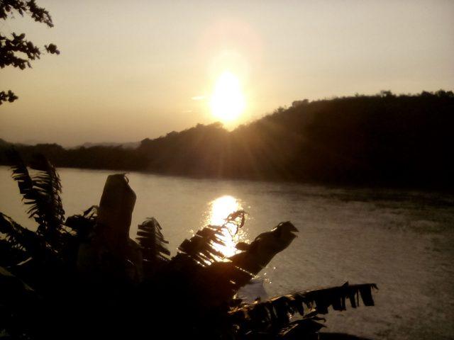 coucher de soleil laos mekong