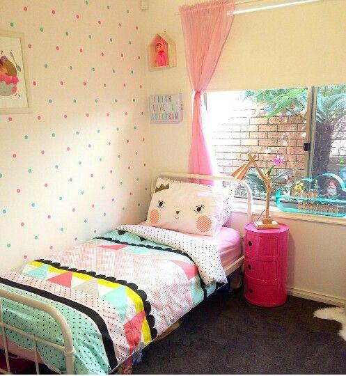 Une chambre d 39 enfant color e cocon d co vie nomade - Chambre enfant coloree ...