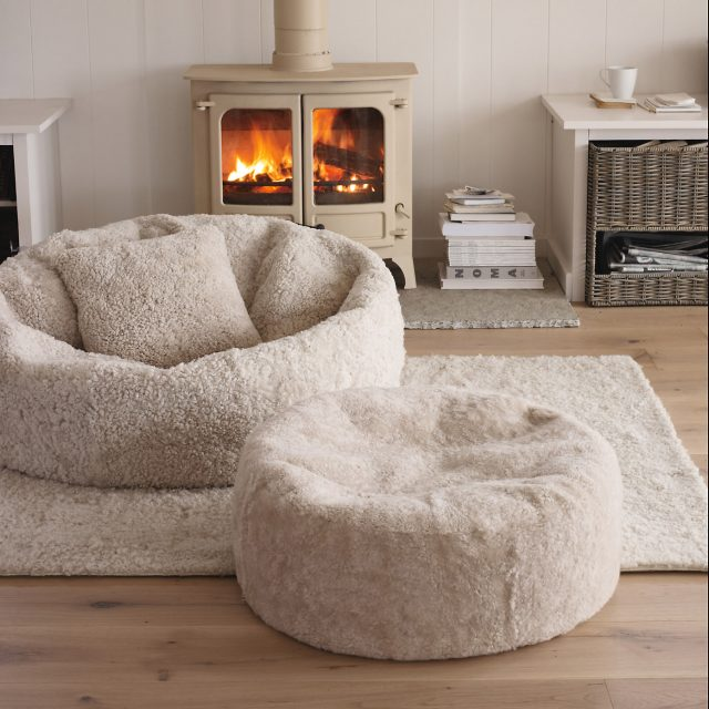 pouf galette coussin pour un salon cosy cocon d co vie nomade. Black Bedroom Furniture Sets. Home Design Ideas