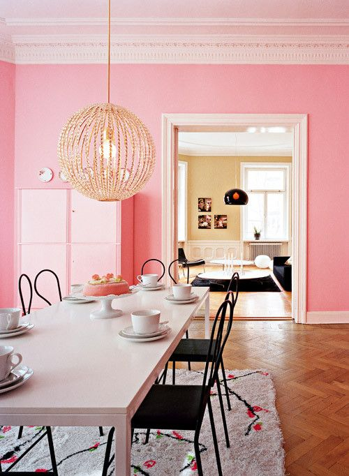 salle a manger decoration rose peinture