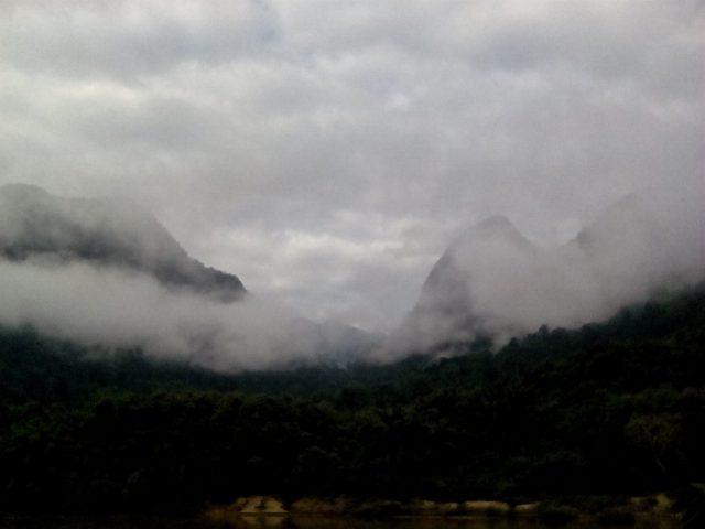 laos montagne nuage muang ngoi