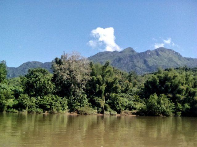 nature laos nord montagne riviere
