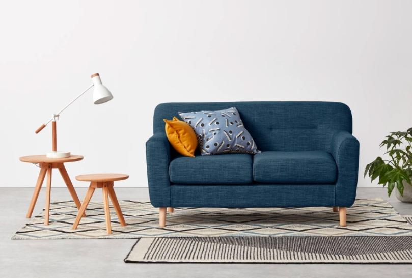 canap pour petit salon cool le petit salon adopte une dco. Black Bedroom Furniture Sets. Home Design Ideas