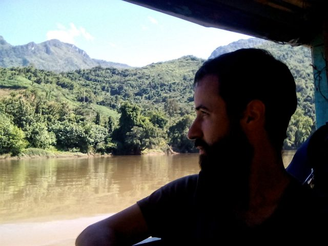 voyager laos paysage bateau