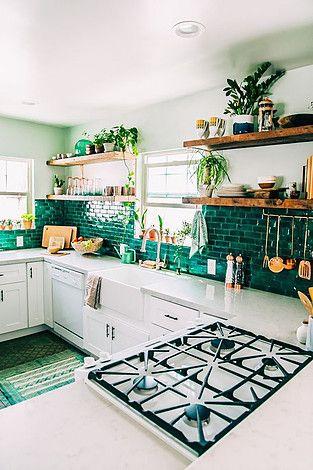 cuisine deco carrelage vert credence blanc