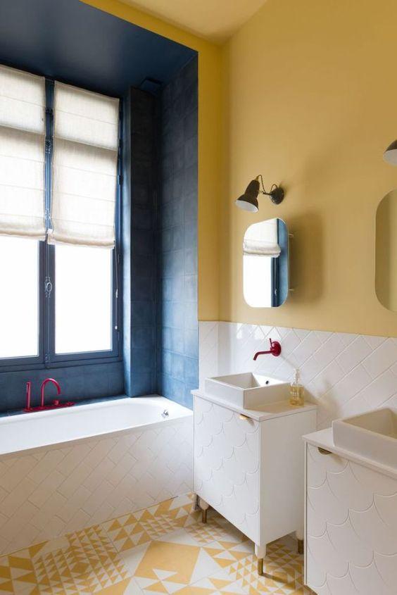 Du jaune dans la salle de bain cocon d co vie nomade for Salle de bain jaune et bleu