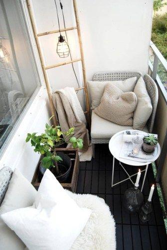 petit balcon blanc deco cosy