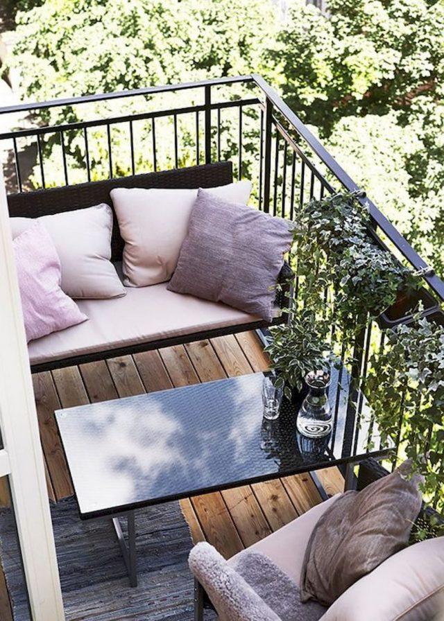 petit balcon coussin deco rose