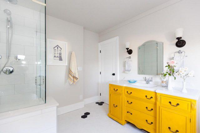 Du jaune dans la salle de bain – Cocon – déco & vie nomade