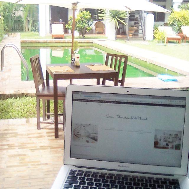 cadre de travail au Laos hotel piscine