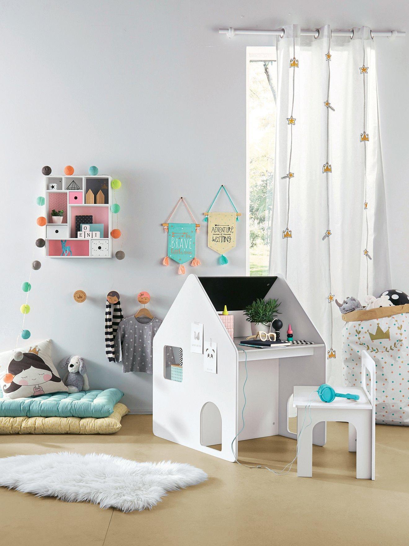 quel bureau choisir pour votre enfant cocon d co vie nomade. Black Bedroom Furniture Sets. Home Design Ideas