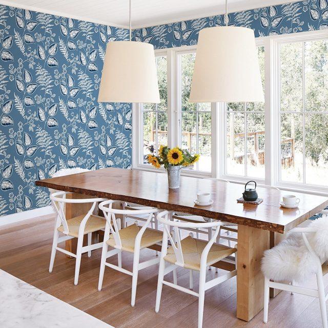 salle a manger deco papier peint motif bleu