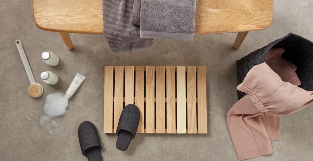 10 accessoires pour une salle de bain pratique cocon. Black Bedroom Furniture Sets. Home Design Ideas