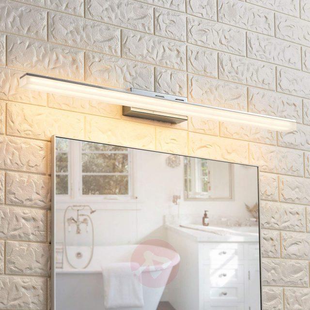 luminaire salle de bain pratique