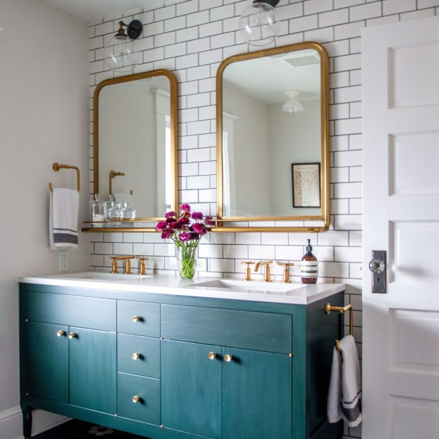 meuble peinture verte salle de bain