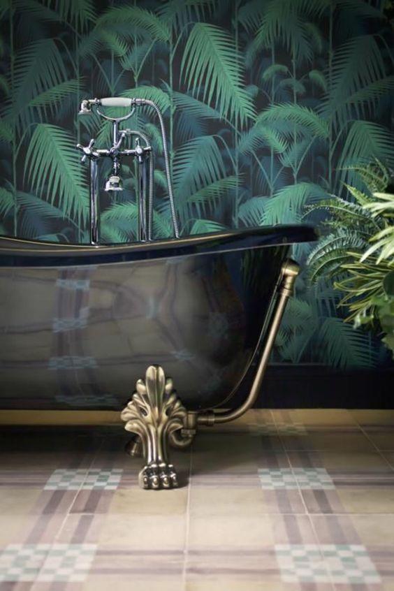 Papier peint jungle salle de bain
