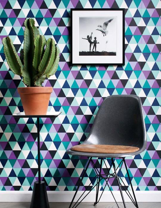 papier peint geometrique violet salon