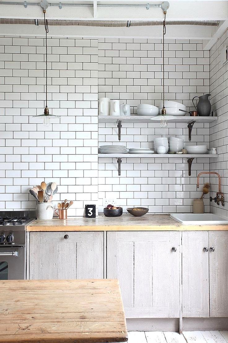 cuisine deco carrelage blanc plan de travail bois
