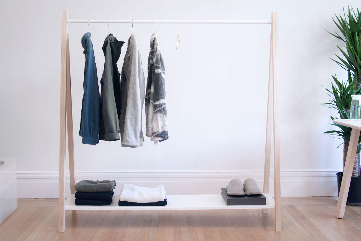 mobilier minimaliste penderie simple