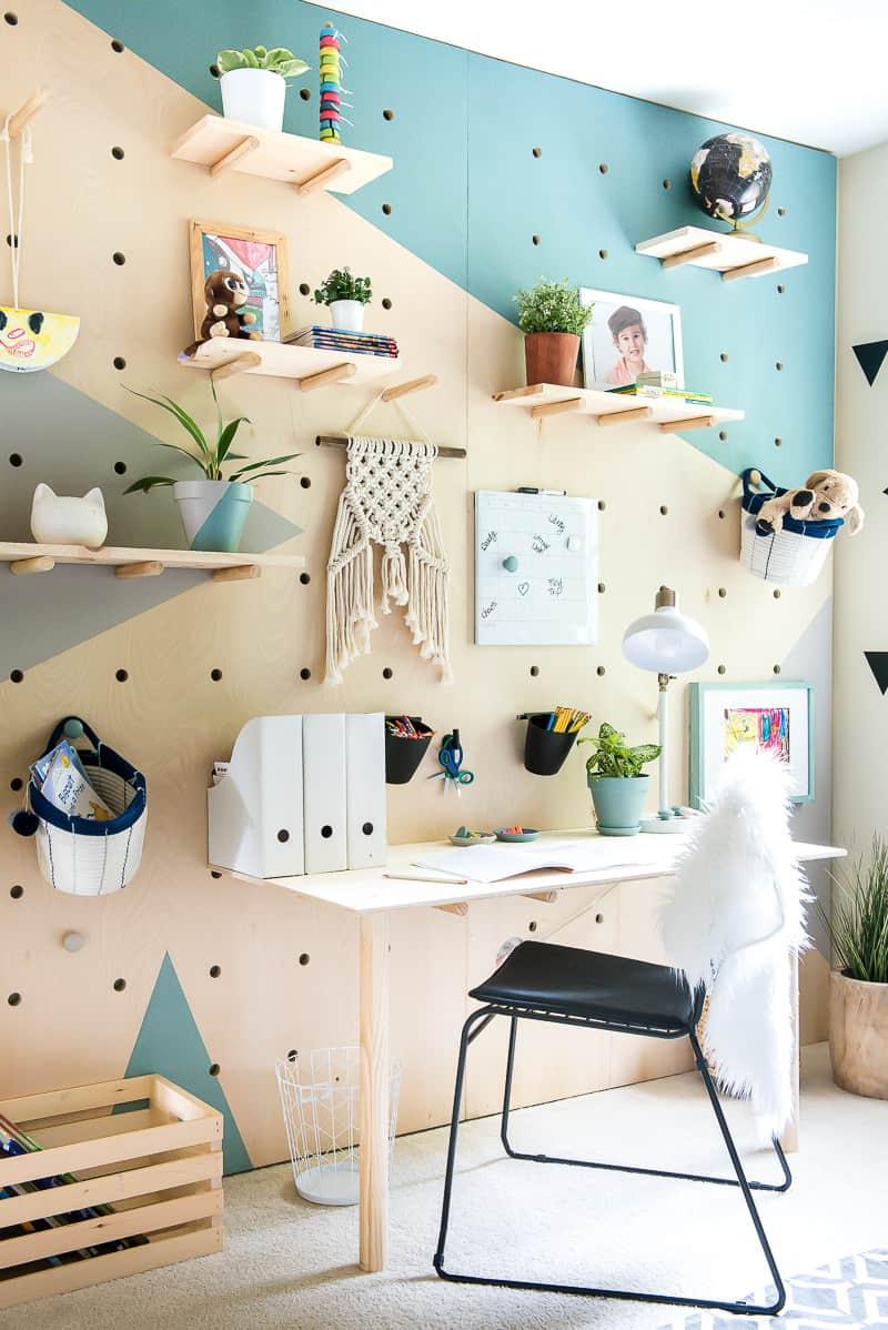 mur complet pegboard decoration bureau