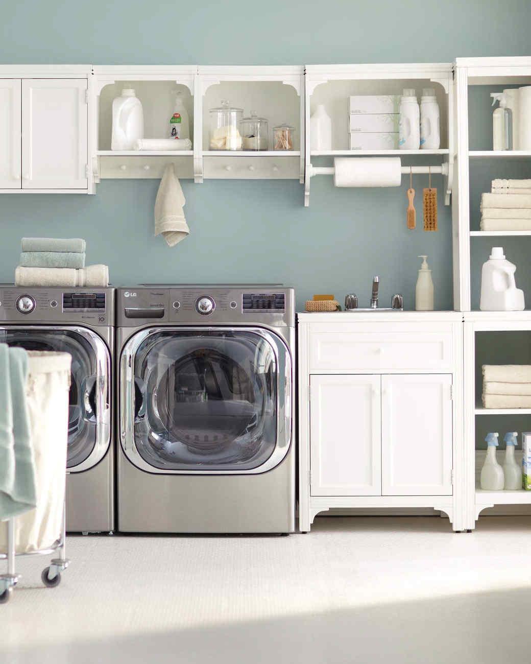 petite buanderie laundry idee rangement mural