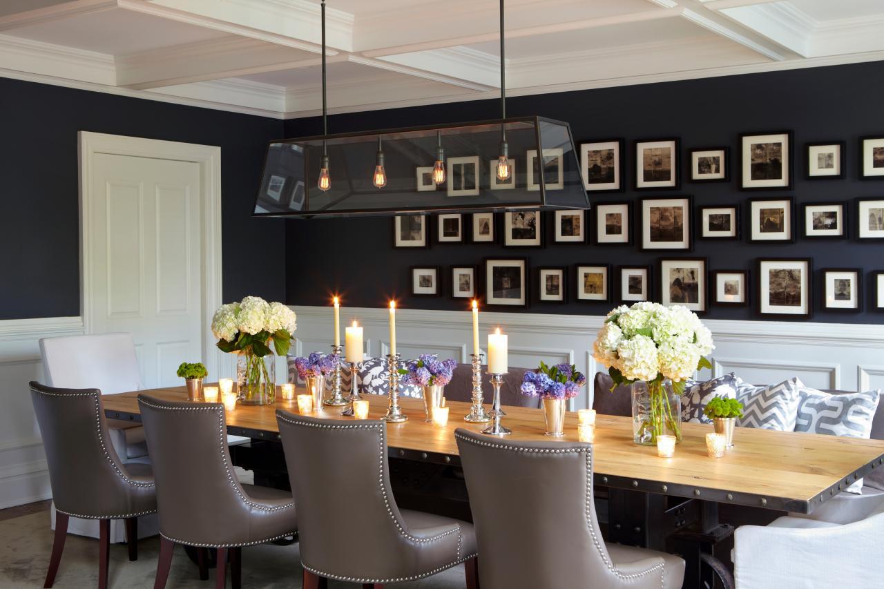 salle a manger peinture sombre et lumiere