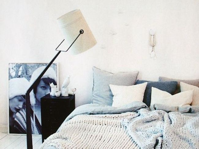 chambre minimaliste luminaire