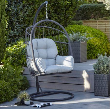 fauteuil suspendu colore deco jardin