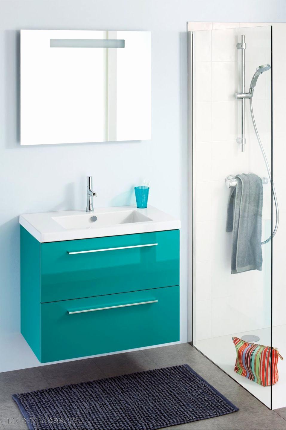 meuble de salle de bain couleur turquoise