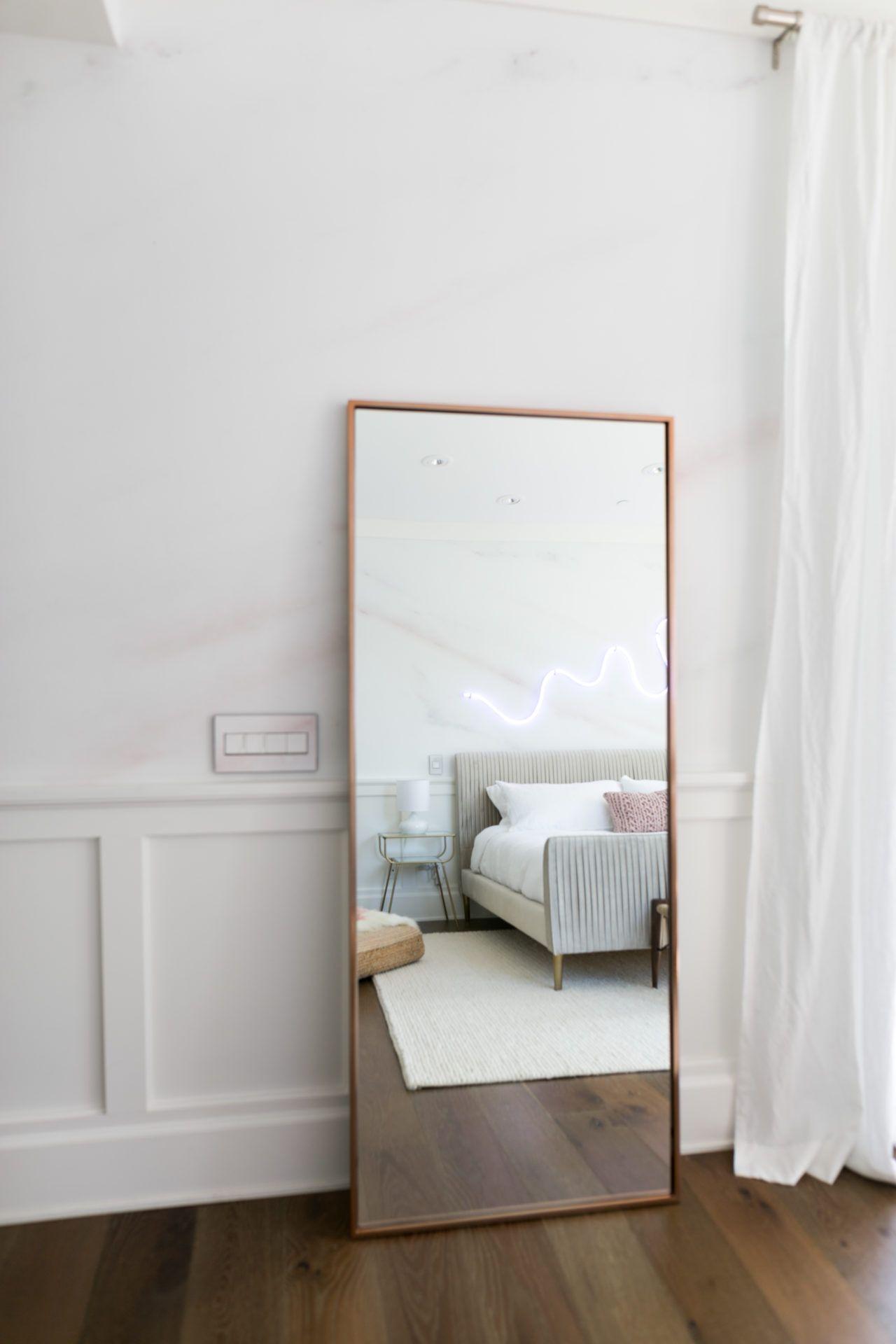 miroir au sol decoration chambre