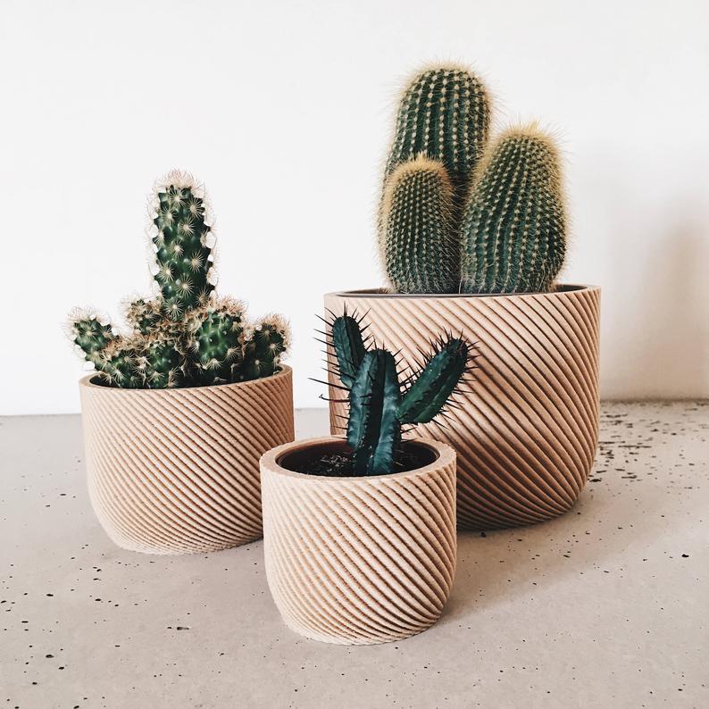 deco bureau cache pot plante bois minimaliste