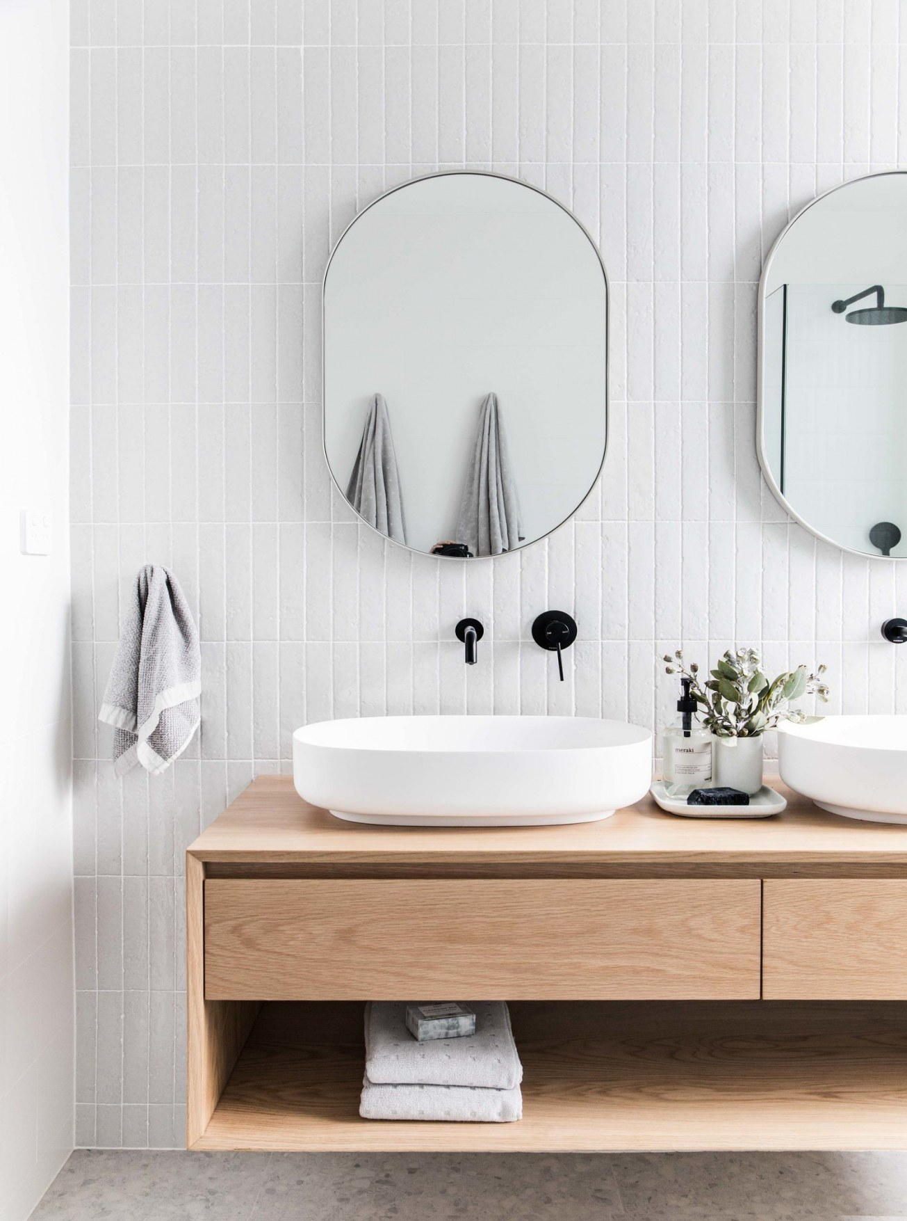 petite salle de bain deco miroir original