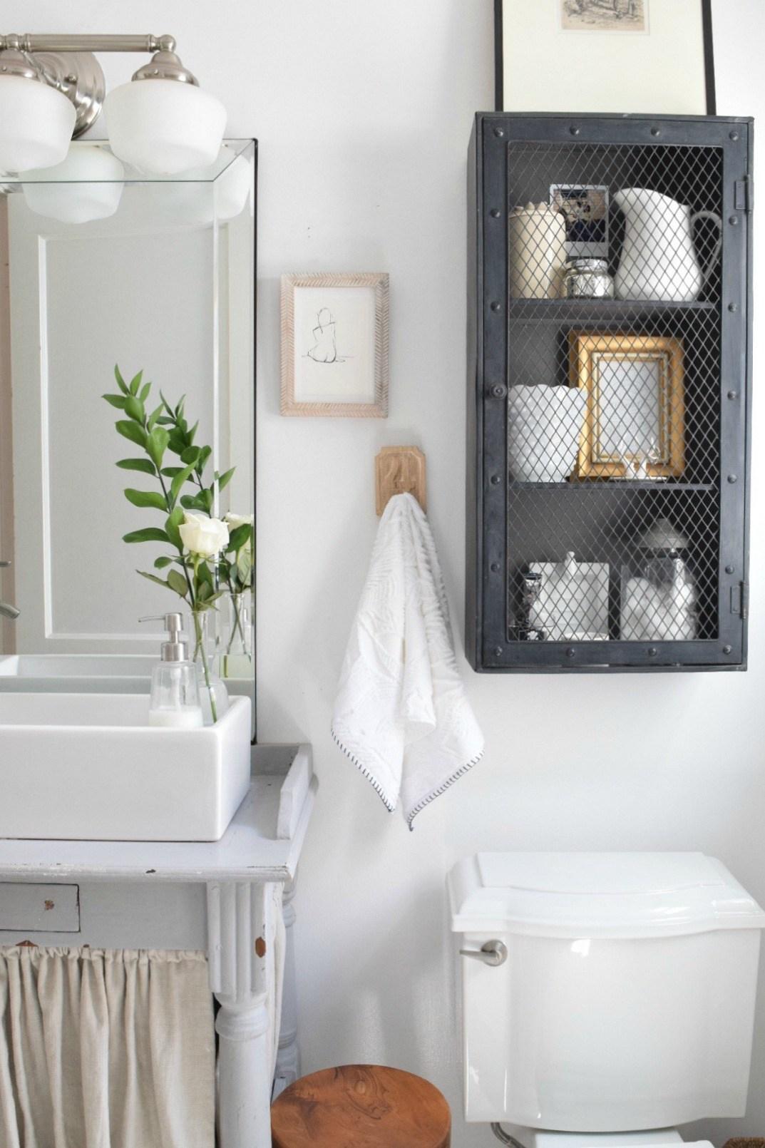 petite salle de bain personnaliser meuble mural